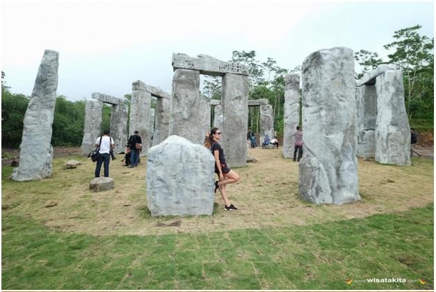 stonehenge yogyakarta